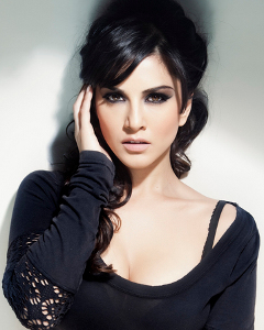 Sunny Leone leaked this photo of herself on Twitter sparking message board concerns she was too slender.