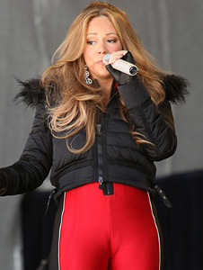 When Mariah Carey is not making a fool of herself on New Year's Eve, she sometimes sports an unsuspecting yet highly recognizable camel toe.